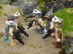 Searching for a suitible sight. (Working hard for high quality.) Tags: lego star wars minifigure rebel alliance sci fi toy plastic trooper soldier planet base beach adventure sand world rock stone seaweed