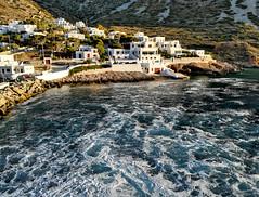 manovre di attracco (silvia07(very busy)) Tags: attracco docking manovre rigging tramonto sunset mare sea onde waves nave ship isola island