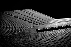 Asymmetry in B&W (Solène.CB) Tags: bw nb tatemodern museum musée architecture modern building solènecb canoneos70d asymmetry asymétrie black noir white blanc