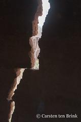 Korhogo crack (10b travelling / Carsten ten Brink) Tags: 10btravelling 2018 africa africaine african afrika afrique carstentenbrink cotedivoire elfenbeinkueste iptcbasic ivorian ivorycoast korhogo senoufo senufo westafrica africain cmtb ivoirien ivoirienne north tenbrink