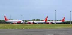 G-CELE BOEING 737 JET2 TAXIING PAST 2 JET2 B737 NEWCASTLE AIRPORT (toowoomba surfer) Tags: airline airliner jet aeroplane aviation aircraft ncl egnt