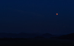 Blood moon over Cerknica Lake (happy.apple) Tags: zelše cerknica slovenia si cerkniškojezero cerknicalake slovenija bloodmoon night luninmrk nebo sky noč summer poletje geotagged