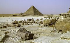 Barren beauty (Tony Tomlin) Tags: egypt northafrica cairo giza desert