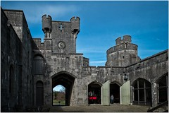 Penrhyn castle engine sheds (Hugh Stanton) Tags: castle steam engine museum