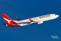 VH-VYK QF B738 25 YSSY-9952 (A u s s i e P o m m) Tags: qantas qf boeing b738 syd yssy sydneyairport sydney mascot