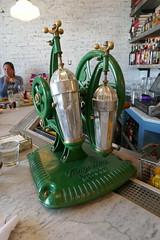 Drink shaker (en tee gee) Tags: machine old bar handcrank drink tanqueray