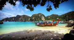 Ko Phi Phi (Stefan Wirtz) Tags: kophiphi thailand strand beach meer ozean ocean sea andamanensee boot boat longboat