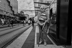 Bus Stop (Nicolas Winspeare) Tags: 35mm candid decisivemoment sony a7riii bw people street streetphotography
