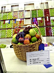 12605-GovFruitBasket_blue (vermillionco) Tags: illinoisstatefair illinois state fair blueribbon first place fruit basket