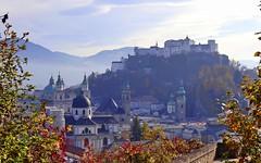 Salzburg im Herbst (gerhard-pr) Tags: salzburg österreich herbst landschaft nebel dunst burg kirche berg