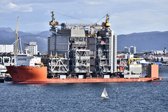 Little and Large (Andrew-Jackson) Tags: ships norway stavanger engineering