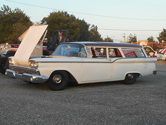 1959 Ford Ranch Wagon (splattergraphics) Tags: 1959 ford ranchwagon wagon stationwagon cruisenight lostinthe50s marleystationmall glenburniemd