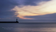 Chase this light. (Elidor.) Tags: sunrise northumberland berwickupontweed morning dawn lighthouse pier breakwater northeast coast elidor d90 horizon