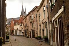 Deventer (l-vandervegt) Tags: august augustus 2018 nikon d3200 tamron nederland netherlands holland hollande niederlande paysbas overijssel deventer straat street building gebouwen architecture architectuur