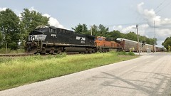 20180818_NS_IL_Shiloh_ShilohStaRd_1 (gatewayrail) Tags: railroad railfan trains burlingtonnorthernsantafe norfolksouthern bnsf ns