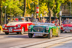 Oldtimer parade on the Vienna Ringstrasse (a7m2) Tags: wien vienna ringstrase innerestadt parade travel fans touristen automobile oldtimer viennaclassic event spas erlebnis pioniere