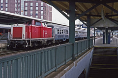 DB diesel 212 375-0 about to depart from Freiburg with passenger stock forming a train to Elzach.. 1August1994 (mikul44171) Tags: elzach 2123750 freiburg stairs 212375 steps staircase hbf