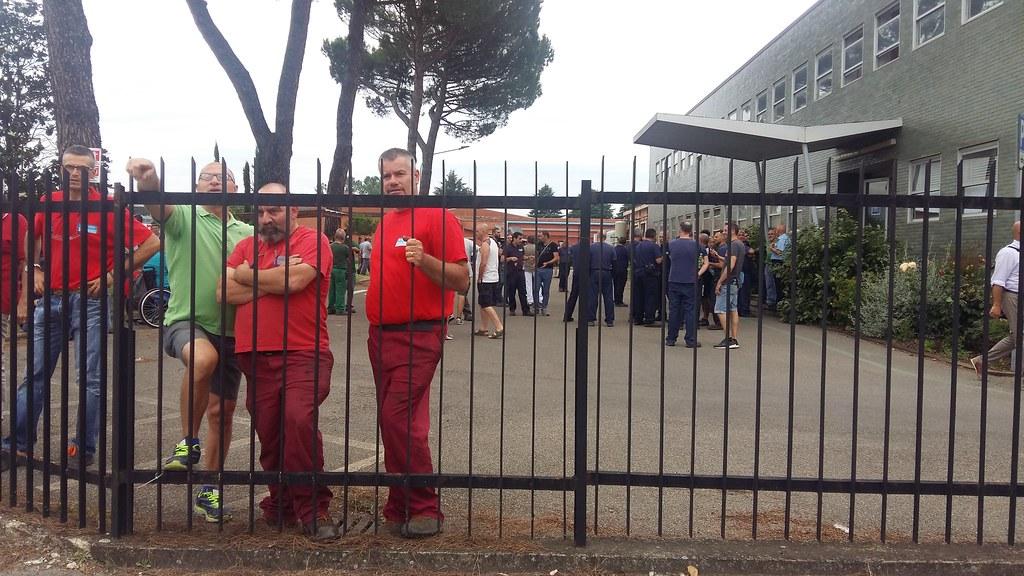 Bekaert, lavoratori in presidio: