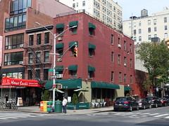 201806003 New York City Chelsea (taigatrommelchen) Tags: 20180622 usa ny newyork newyorkcity nyc manhattan chelsea urban city building restaurant street