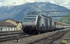 460 033  Bellinzona  28.04.05 (w. + h. brutzer) Tags: bellinzona eisenbahn eisenbahnen train trains schweiz switzerland elok eloks lokomotive locomotive zug railway sbb 460 webru analog nikon