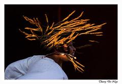 Effet centrifuge - Centrifugal effect (Thierry De Neys - Photographies) Tags: thierrydeneys pairidaiza lesestivales ibandiayerosefamily danse centrifuge cheveux tresses noir or mouvement dreadlocks torsade 795000danza centrífuga cabello trenzas negro oro movimiento rastas giro danza centrifuga capelli trecce nero movimento twist tanz zentrifugal haare zöpfe schwarz gold bewegung dance centrifugal hair braids black movement dans centrifugaal haar vlechten zwart goud beweging belgique belgium belgïe belgien belgica belgio cambron cambroncasteau brugelette hainaut wallonie femme woman vrouw frau donna mujer