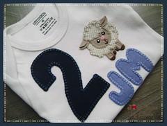 body  mês 2 (Joanninha by Chris) Tags: handmade feitoamão bodie body mesversario enxovalmenino enxovalbebê artesanato artesanatoemtecidos aplicaçãodetecidos bordado baby bebê patchwork patch