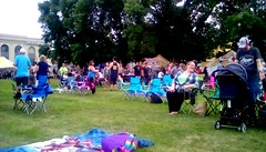 Crowd at Waterfront Festival 2018. (Maenette1) Tags: crowd people waterfrontfestival2018 greatlakesmemorialmarina menominee uppermichigan flicker365 allthingsmichigan absolutemichigan projectmichigan