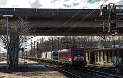 086_2018_03_20_Hamburg_Harburg_6187_145_mit_Container_Tragwagen_Hafen_1216_910_LTE_mit_6193_216_ELOC_Lz_Haf (ruhrpott.sprinter) Tags: ruhrpott sprinter deutschland germany allmangne nrw ruhrgebiet gelsenkirchen lokomotive locomotives eisenbahn railroad rail zug train reisezug passenger güter cargo freight fret hamburg harburg akiem boxx ctd db dispo dbcsc dsc egp eloc locon lte me meg mt mteg nrail press rhc rsc slg 0185 0650 0812 1212 1214 1246 1261 1273 3296 3333 4482 5812 6101 6140 6143 6145 6182 6187 6193 6241 7386 logo natur graffiti