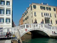 Ponte del Sepolcro (Gijlmar) Tags: itália italy italien italie włochy ита́лия ιταλία europa ευρώπη europe avrupa европа veneza venice venezia venedig venecia вене́ция venise βενετία céu sky cielo ponte brug pont most brücke γέφυρα bridge puente híd pod мост köprü
