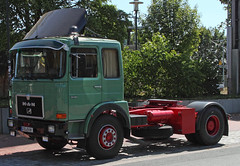 MAN COE (Schwanzus_Longus) Tags: eystrup german germany old classic vintage vehicle truck lorry trailer tractor coe cab over engine man 19218