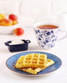 Potato waffles with yoghurt