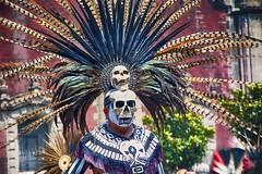Skull face Aztec  dancer (maios) Tags: skullfaceaztecdancer skullface aztecdancer skull face aztec dancer zócalo mexicocity square nikond7100 nikon d7100 culture concheros color performance moctezuma díadelosmuertos muertos dayofthedead dead portrait maios man versus