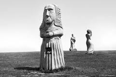 Le Trio (Saint Diboan, Saint Ninnog, Saint Riwanon) (TIOGRIS (Clém VDB)) Tags: statue monochrome black white bw noire blanc nb bretagne 2018 art composition vallée des saints saintninnog saintdiboan saintriwanon vallées sculpture