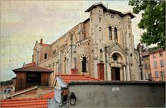 Église Saint-Symphorien de Trévoux, Ain, Auvergne-Rhône-Alpes, France (claude lina) Tags: claudelina france ain auvergnerhônealpes trévoux village architecture église church églisesaintsymphoriendetrévoux