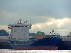 Morsum (IMO 9429261) (Parchimer) Tags: containerschiff containership cargovessel schiff ship hamburg hafen elbe feeder