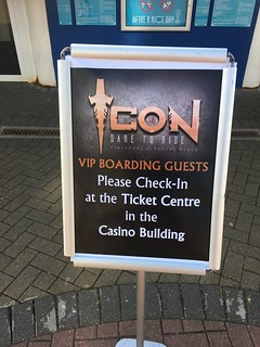 Icon: VIP Boarding Guests Check In Sign