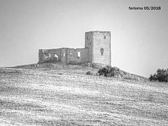 Pueblos de Málaga 03 (ferlomu) Tags: castillo ferlomu málaga pueblo ruinas blancoynegro