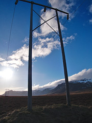 P1020709 (Eric_Lumix GX80) Tags: iceland island gx80 nature landscape electricity cable sun contrast mountain