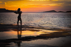 Like an Angel..!! (Nita_Fotos) Tags: sun sundown clouds blue orange sol atardecer nubes naranja cielo mountain montañas reflection reflejos trees arboles agua backligh contraluz lecheria venezuela tuniñasalvajedelaselva océano mar caribbeansea marcaribe refection •reflejos