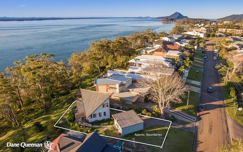 40 Thurlow Av, Nelson Bay NSW 2315