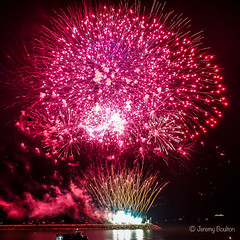 Rose-coloured Fireworks (JKmedia) Tags: boultonphotography nationalfireworkschampionships 2018 aug plymouth devon uk hoe firework colourful night pyrotechnics explosion display