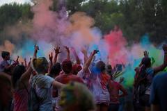 Castelldefels, Guerra de Colores-Colors (angelalonso4) Tags: canon eos 6d tamron sp 90mm f28 di vc usd macro11 f004 ƒ28 900 mm 1160 500 castelldefels explore smoke humo dance street calle color colors