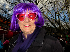Street Portrait #045 (Never Edit) Tags: street photography streetphotography outdoor outside people peopleinthestreet strada city urban candid color colour realstreetphotography purestreetphotography rawstreet canpubphoto flash purple wig
