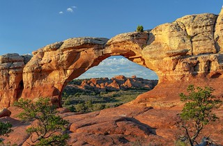 *Arches National Park @ Broken Arch*