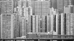 築 城 (Wilson Au | 一期一会) Tags: hongkong buildings blackandwhite monochrome canon eos5dmarkiii ef70200mmf4lisusm highdensity housing 香港