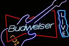 Budweiser (Cragin Spring) Tags: wisconsin wi midwest unitedstates usa unitedstatesofamerica westallis fair wisconsinstatefair statefair wisconsinstatefair2018 2018 2018wisconsinstatefair beer neon neonsign budweiser guitar sign piwo bier