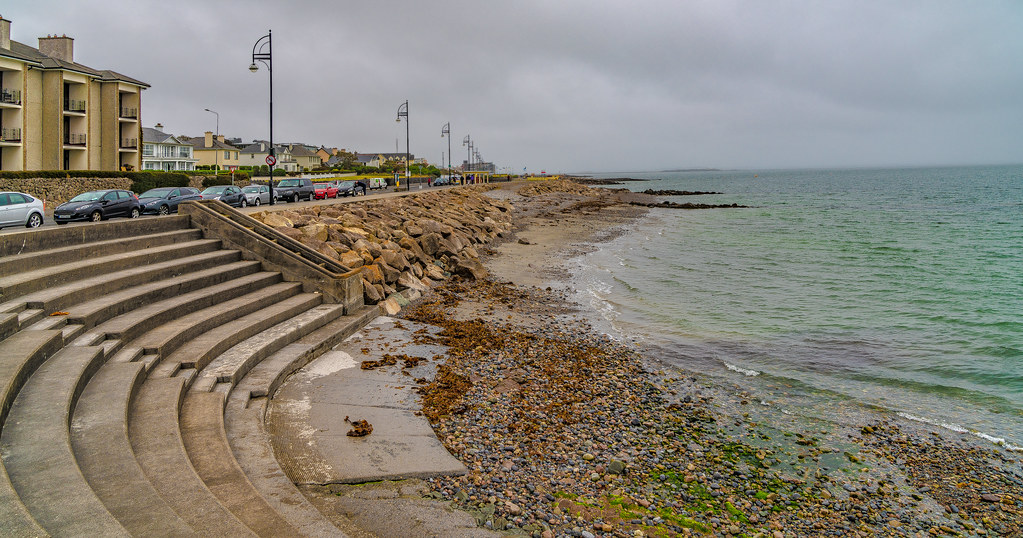 ANOTHER ATTEMPT TO PHOTOGRAPH SALTHILL IN GALWAY [ I RAINED AND RAINED AND RAINED]-141457