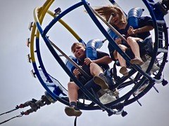 Sling Shot (Henrico Prins) Tags: newyork usa unitedstates coneyisland lunapark attraction slingshot children siblings brotherandsister scary amusementpark beach beachside scared exciting excited