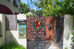 Key West (Florida) Trip 2017 7892Ri 4x6 (edgarandron - Busy!) Tags: authorsofkeywest guesthouse florida keys floridakeys keywest