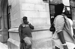 (gaijin_punch) Tags: monochrome blackandwhite streetphotography ilfotecddx kodaktrix400 chicago